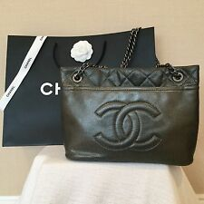 CHANEL AUTHENTIC PEWTER/GRAY CAVIAR SHOULDER BAG