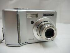 Samsung S750 Digital Camera (7.2 Mega Pixel) 3X Optical Zoom, 2.5 inch Display