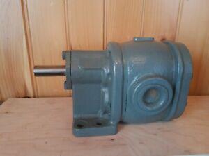 Brown & Sharpe 713-55-2 Rotary Geared Pump