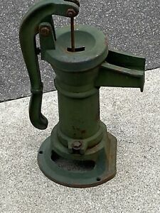 Antique Cast Iron Hand Well Water Pump Cistern Pitcher Primitive Rustic Green
