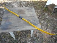 "VINTAGE 30LB YELLOW INDIAN FIBERGLASS 60"" RECURVE BOW NO. 25"