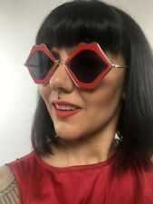 Lunettes de Soleil originales Fun Bouches Lips Lèvres rouges Glamour