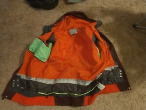 volcom snowboard jacket mens