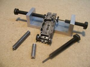 Ho slot car wheel/gear press & puller, Thunderjet 500, AFX and more.