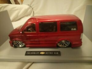 1/18 Dub City Big Ballers Chevrolet Astro Van Red In Very Good Condition