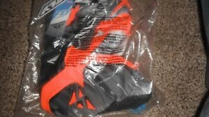 NOS FLY RACING 368-43018 KINETIC GLITCH PANTS BLACK /white/ flo o  SIZE YOUTH 18