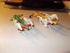Vintage Lot Of 2 Plastic Horse Pulling Teams With Hitches 5 Inches Long