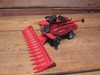 ERTL Big Farm Case IH 9120 Toy Combine Red 1/64 Model Combine Farm Tractor
