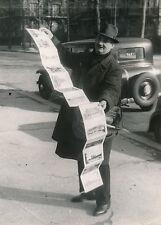 PARIS c. 1938 - Marchand de Photographies Ambulant - DIV 9127