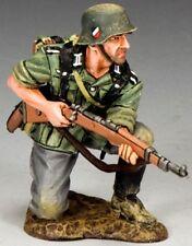 KING & COUNTRY WW2 GERMAN ARMY WS212 KNEELING READY MIB