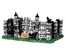 Lemax Spooky Town IRON GATE and FENCE - set of 5 - New