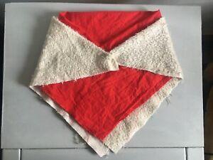 ORIGINAL VINTAGE GABRIELLE DESIGNS AUNT LUCY 2 X RED SHAWLS - Paddington Bear