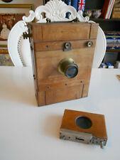 Antike Reisekamera um 1900 aus Holz - alte Fotokamera - alte Kamera