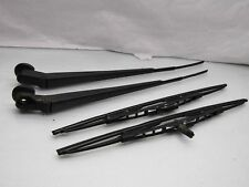 Toyota Townace Liteace 82-91 Mk2 front windscreen wiper arms - needs new blades!
