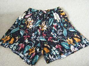 Ladies Black Print Pull On Elasticated Waist Long Shorts Size XL/XXL (34 in Wais