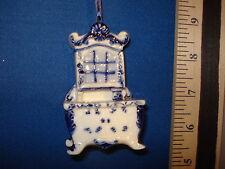 Delft Glass Ornament Hutch J4567 95