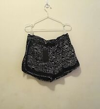 BNWT ! Cotton On Body ACTIVE SHORT Size M