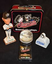 SACRAMENTO RIVER CATS - LOT OF 5  COLLECTIBLE SOUVENIRS : LUNCH BOX & MORE