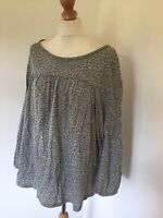 Boden Top Large Grey Arrow Print T Shirt Smocked Casual Cute Kitsch Long Sleeve