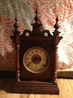 SETH THOMAS ANTIQUE GOTHIC STYLE MANTLE CLOCK EARLY 1900's (SEE VIDEO) !