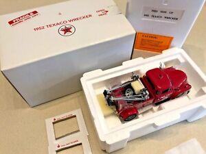 Danbury Mint 1952 Texaco Chevy Wrecker Truck - 1:24 - New In Box