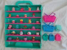 SHOPKINS Display carry case with 24 shopkins 2 grocery baskets 3 bags 1 backpack