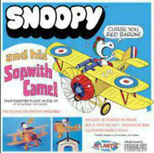 Atlantis Snoopy and his Sopwith Camel with Motor Snap Plastic Kit