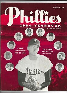 """1964 PHILADELPHIA PHILLIES 3RD EDITION YEARBOOK NEAR MINT """"6 1/2 UP 12 TO GO"""""""