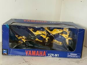 1:12 1:18 1:24 Yamaha YZR M1 2006 CAMEL Valentino Rossi VR 46 SET By New Ray