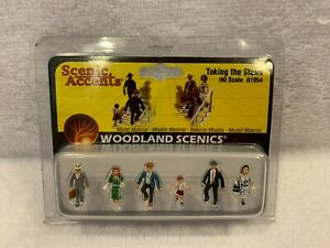 Woodland Scenics Scenic Accents Taking The Stairs #A1954 HO Scale