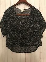 Band Of Gypsies Crop Top Size Small Navy Floral Short Sleeves Polyester