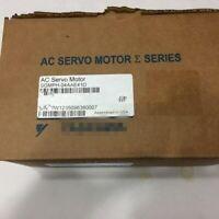 NEW IN BOX For YASKAWA SGMPH-04AAE41D Servo Motor