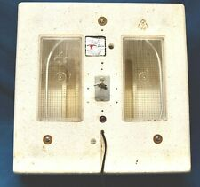 """Miller LITTLE GIANT """"Still Air"""" egg incubator with warming thermostat 17 x 17"""