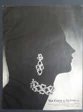 1963 Van Cleef & Arpels diamond bracelet jewelry French Jewelers vintage ad