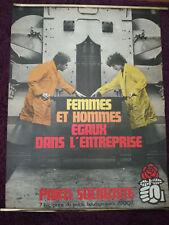 Affiche Politique du Parti Socialiste des années 70 . Femmes et Hommes égaux .22