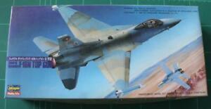 Hasegawa 1:72 General Dynamics F-16N Top Gun