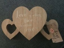 WOODEN HEART SHAPED MR & MRS SIGN NWT