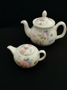 Set Of 2 Miniature Teapots Marl Wales