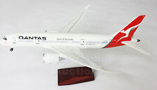 QANTAS DREAMLINER 787 LED CABIN LIGHTS & WHEELS  STAND 45cm RESIN NEW LOGO