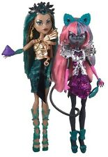 Monster High Boo York Boo York Nefera de Nile and Catty Noir mild package damage