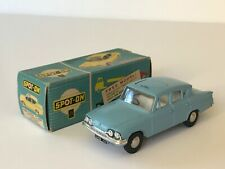 TRIANG SPOT-ON FORD CONSUL CLASSIC SUPERB IN BOX