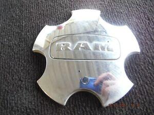 11 12 13 14 15 16 17 18 Dodge Ram 1500 wheel center cap 68137554AA