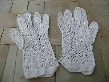 paires de gants anciens blanc