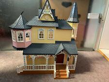 Puppenhaus Puppenschloss Puppenvila Spielhaus Prinzessinen braun gelb