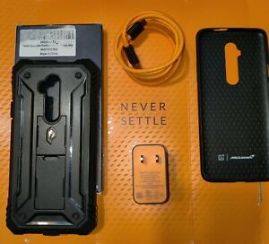 Official OnePlus 7t Pro Mclaren Case, Warp Charger With Cable, Accessories