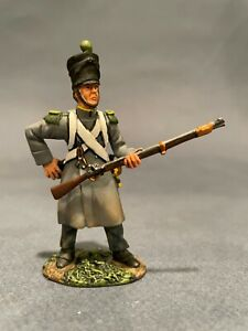 Britains #36011 Waterloo French Napoleonic Lt.Inf. Voltigeur Coat Loading ,NOBOX