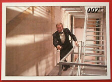 JAMES BOND - Quantum of Solace - Card #039 - A Third Man Joins The Chase