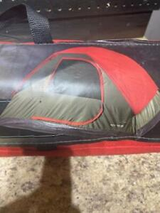 Field And Stream 3 Person Recreational Dome Tent 7' x 6' Camping Exploring Tent