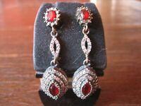 Kronjuwelen gesucht ? elegante rubin Zirkonia Ohrringe Hänger 925er Silber