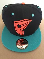 New Era Cap 59 Fifty Famous Star Straps Fitted Hat Size 7 5/8 60.6cm